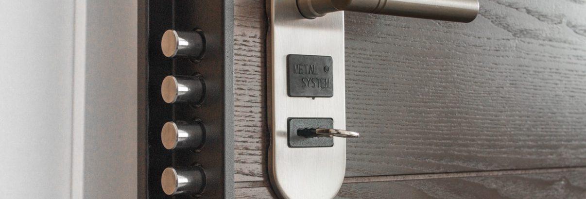 3 voorbeelden van soorten sloten op kantoordeuren