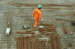 het knippen en buigen van betonijzer