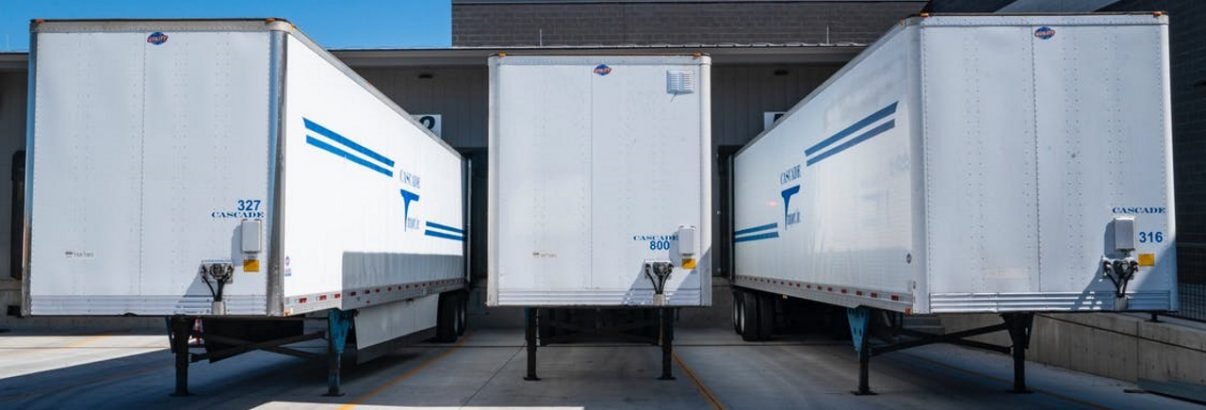 Het bezorgen/vervoeren van producten; zelf doen of uitbesteden?